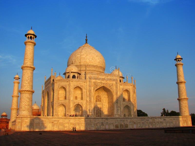Sonnenuntergang beim erstaunlichen Taj Mahal in Agra (Indien) stockfoto