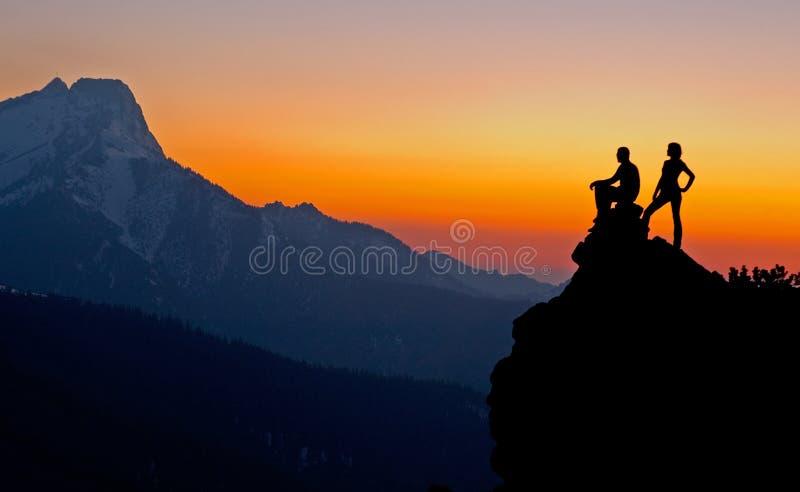 Sonnenuntergang-Betrachtung lizenzfreie stockbilder