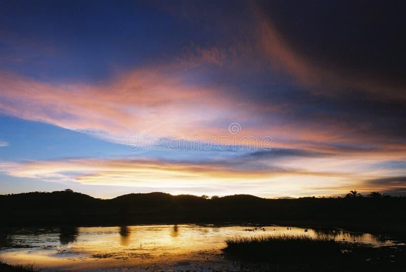 Sonnenuntergang am Blaufisch lizenzfreie stockfotografie
