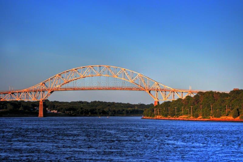Sonnenuntergang-Brücke lizenzfreies stockbild