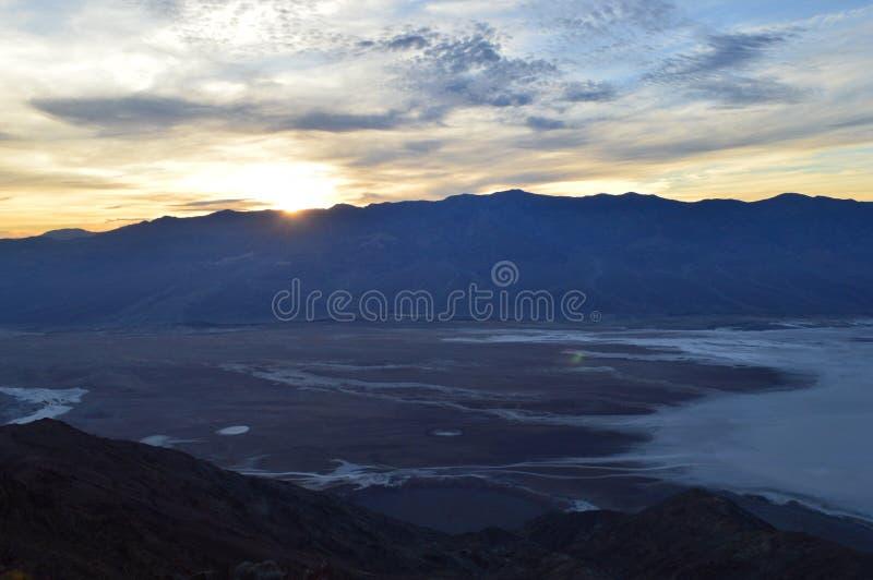 Sonnenuntergang an Dante-` s Ansicht in Death Valley Kalifornien lizenzfreie stockbilder