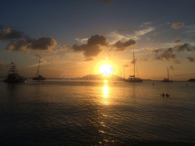 Sonnenuntergang in den Inseln stockfotos