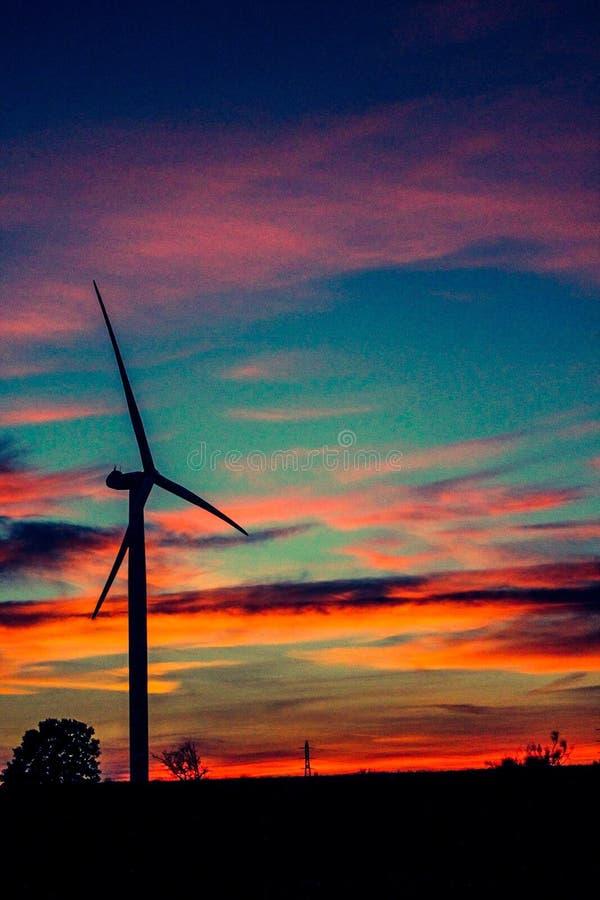 Sonnenuntergang in den Niederlanden lizenzfreie stockbilder