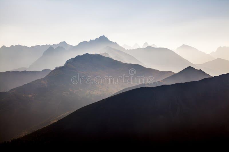 Sonnenuntergang in den Tatra-Bergen stockfoto