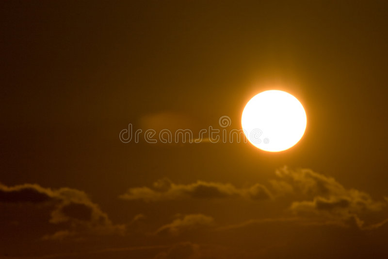 Sonnenuntergang in den Wolken stockfoto