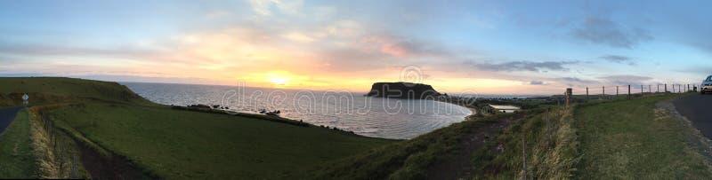 Sonnenuntergang an der Nuss in Tasmanien stockbild
