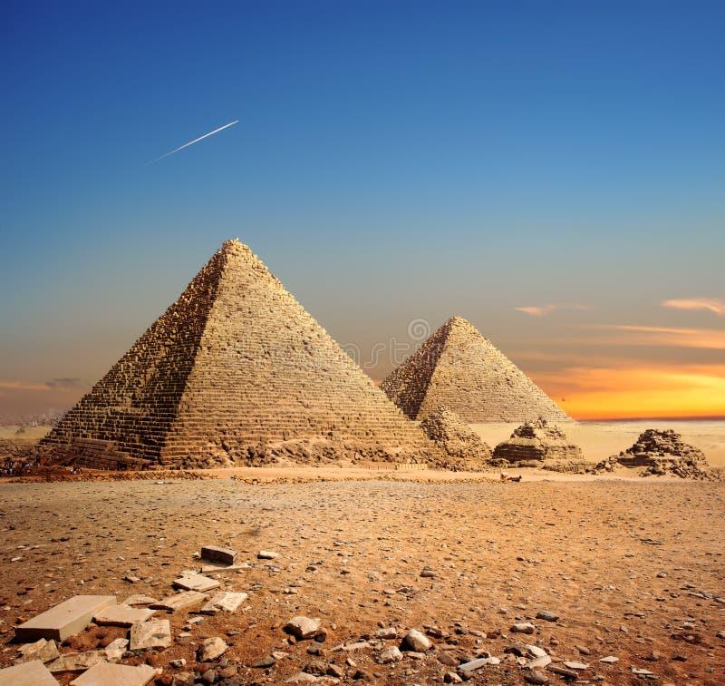 Sonnenuntergang in der Wüste stockbilder