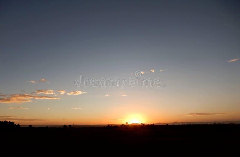 Sonnenuntergang in der Wüste Sahara lizenzfreies stockfoto