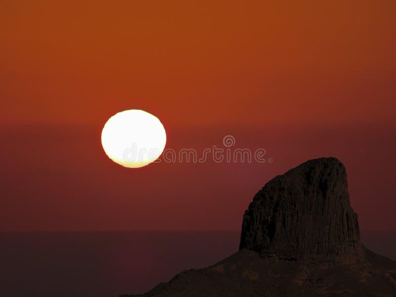 Sonnenuntergang in der W?ste stockfotografie