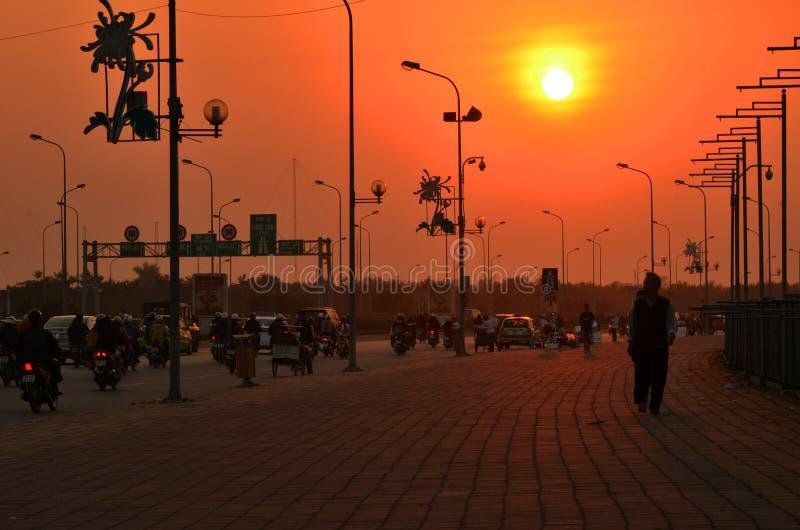 Sonnenuntergang des Herbstes lizenzfreies stockbild