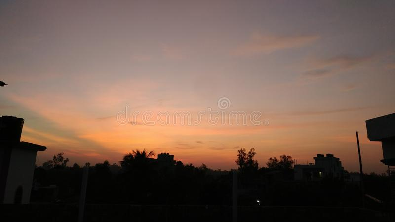 Sonnenuntergang in einer Stadt mit dhaka stockfotos