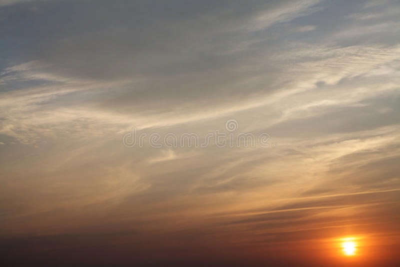 Sonnenuntergang für Hintergrund stockbild