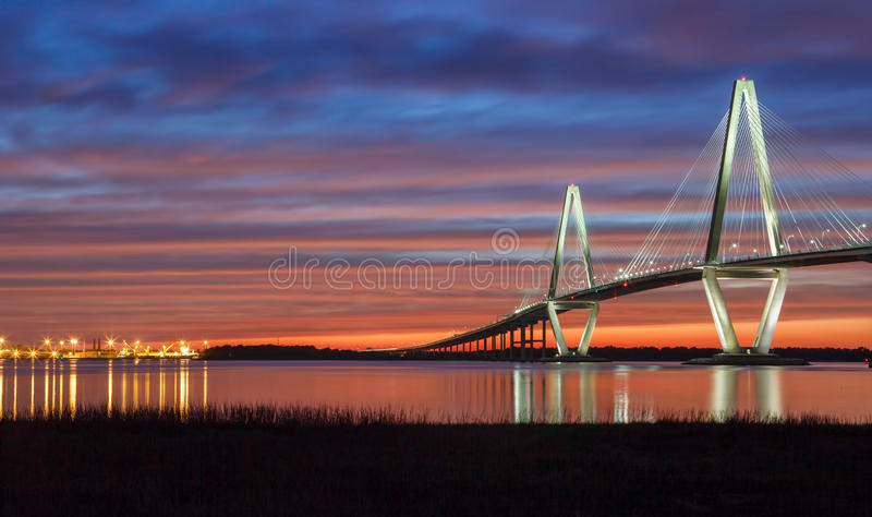 Sonnenuntergang-Fassbinder River Charleston South Carolina lizenzfreie stockfotos