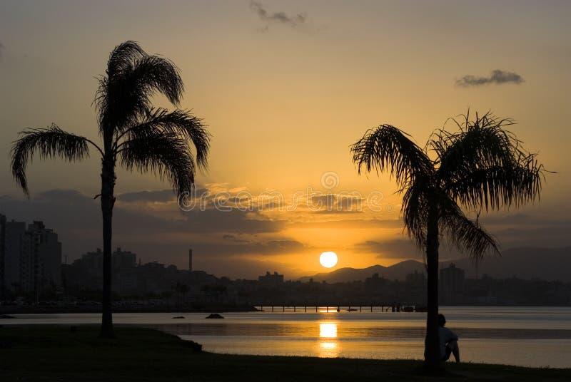 Sonnenuntergang in Florianopolis stockbild