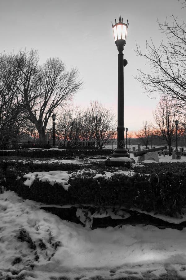 Sonnenuntergang am Flussuferpark in Schenectady New York nahe den Einpfählungen stockfoto