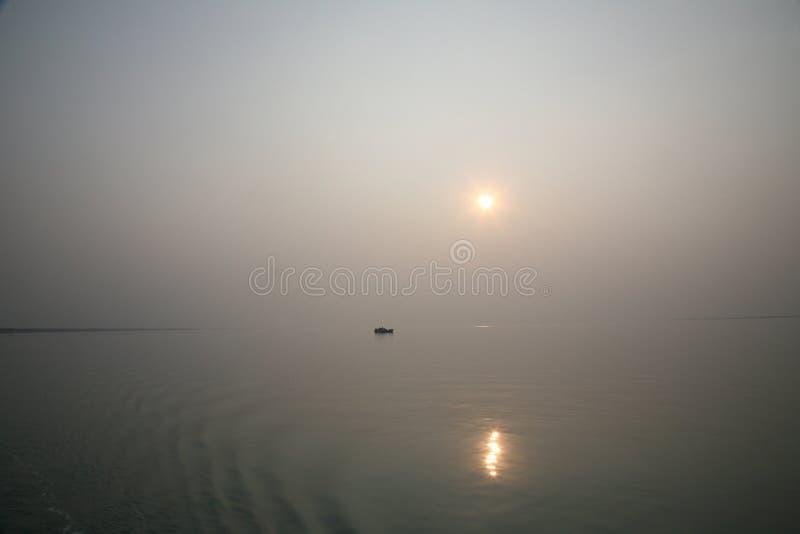 Sonnenuntergang, Ganges-Dreieck lizenzfreies stockbild