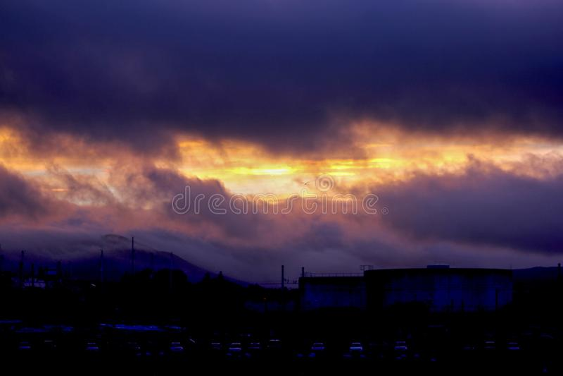 Sonnenuntergang gequetschter Himmel lizenzfreie stockfotografie