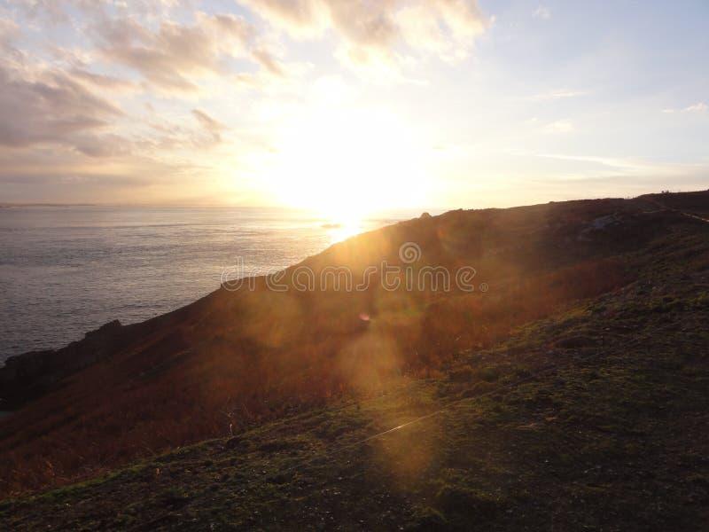 Sonnenuntergang-Golf von Morbihan ÃŽle Zusatz-Oiseaux stockbilder