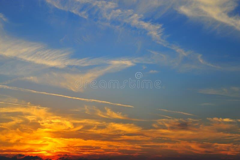Sonnenuntergang-Himmel lizenzfreie stockfotografie