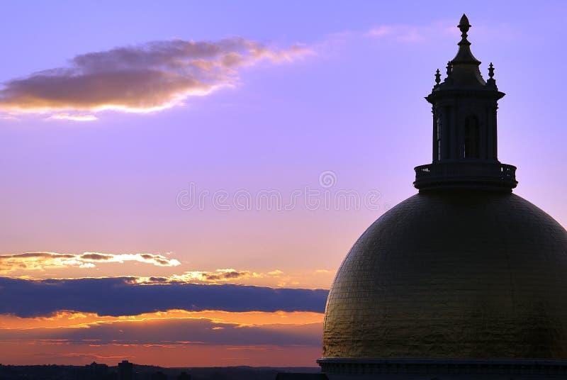 Sonnenuntergang hinter Haube stockfotografie