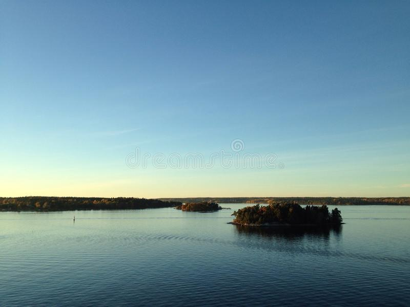 Sonnenuntergang im Archipel lizenzfreie stockfotografie