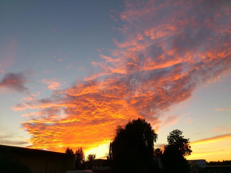 Sonnenuntergang im Bayern stockfotografie