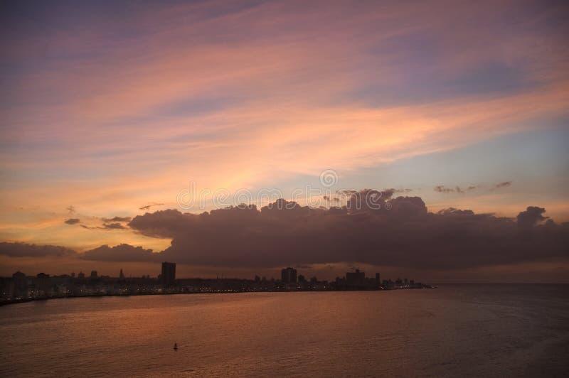 Sonnenuntergang im Havana-Schacht stockfoto