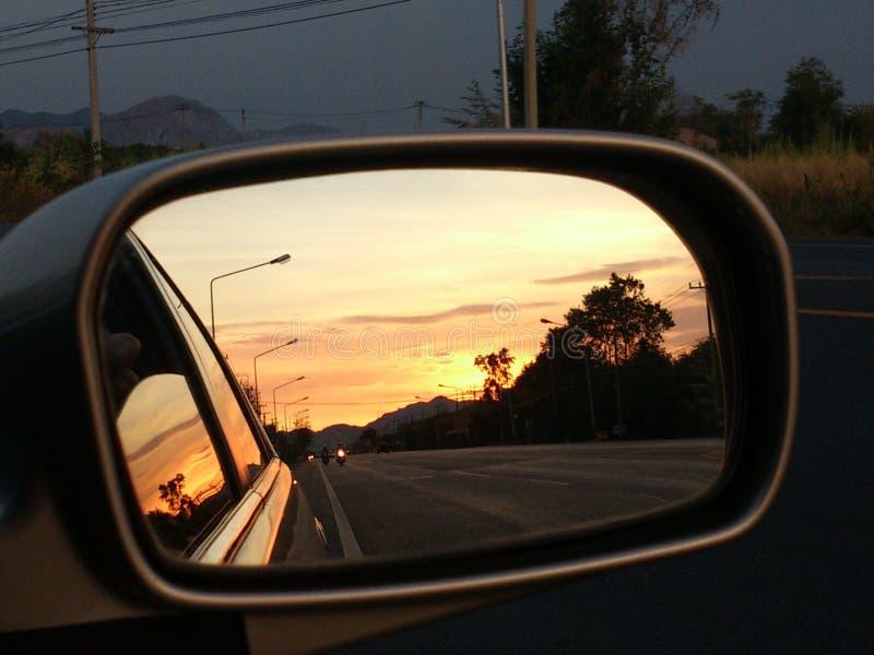 Sonnenuntergang im Spiegel stockfoto