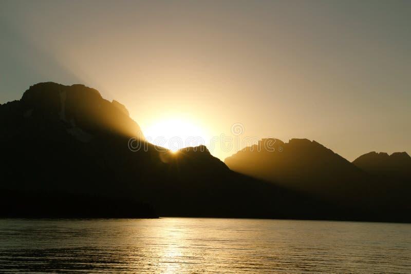Sonnenuntergang im Tetons lizenzfreie stockfotografie