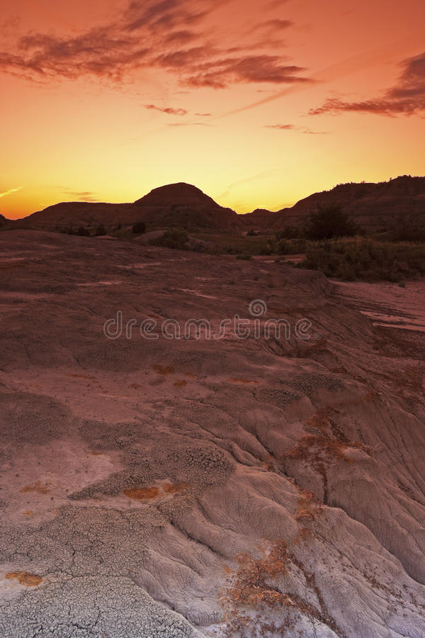 Sonnenuntergang im Theodore- RooseveltNationalpark lizenzfreies stockbild