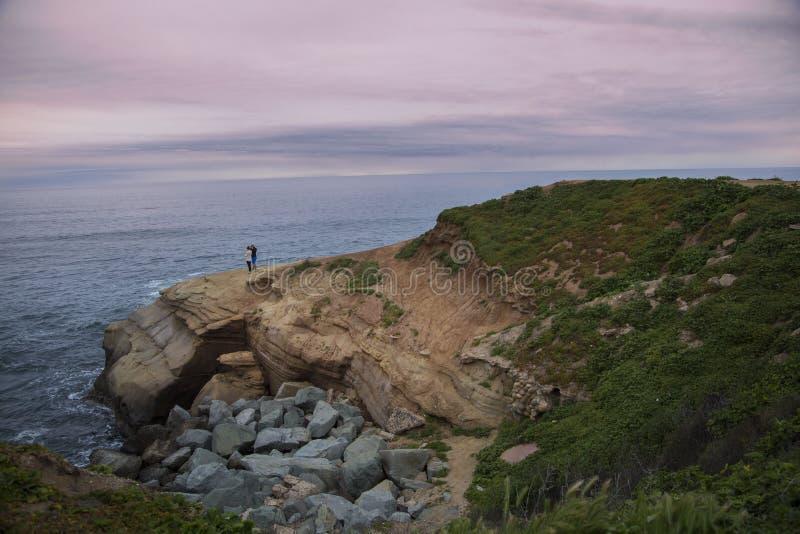 Sonnenuntergang-Klippen, Kalifornien lizenzfreie stockfotos