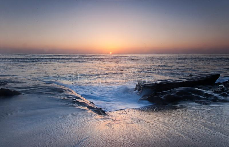 Sonnenuntergang an La- Jollabucht San Diego an einem Sommernachmittag stockfotos