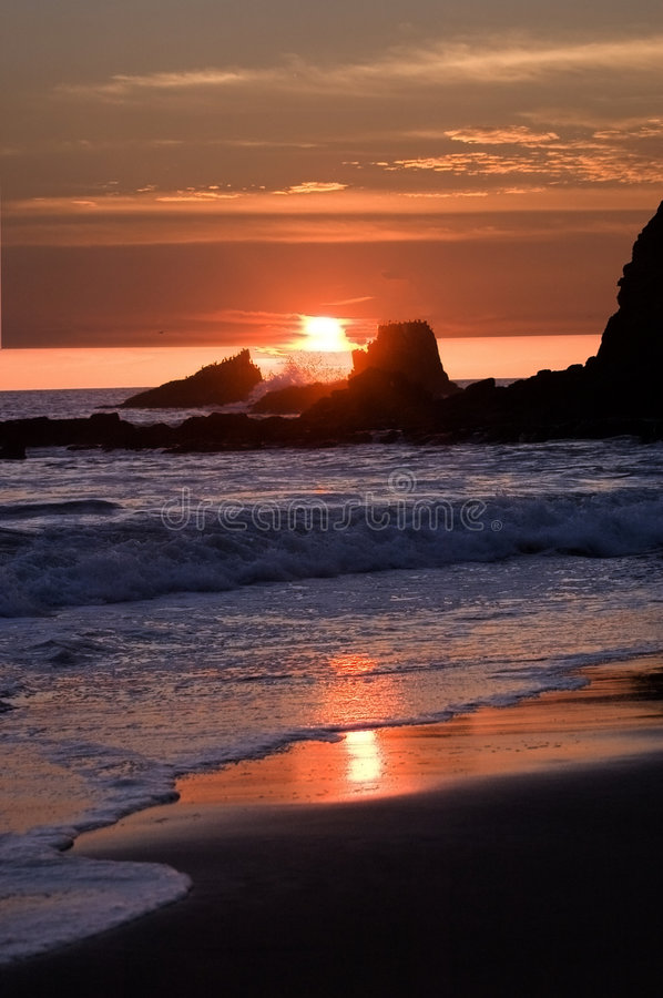 Download Sonnenuntergang in Laguna stockfoto. Bild von strand, berge - 874620