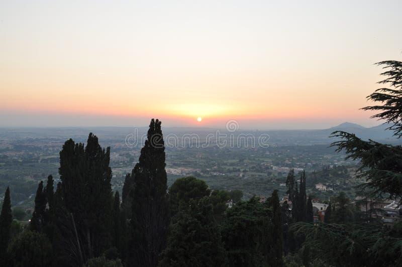Sonnenuntergang an Landhaus d ` Este stockbilder