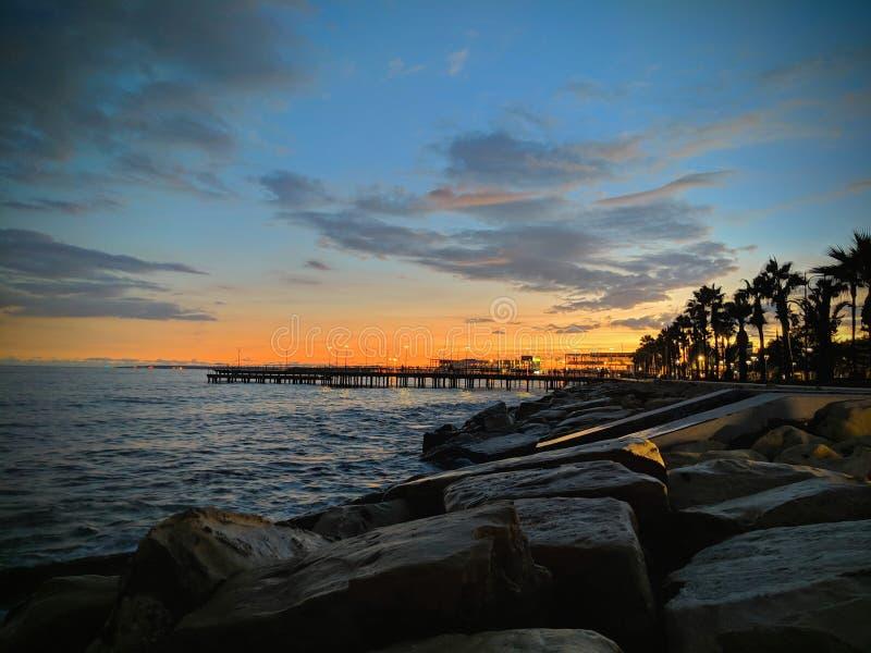 Sonnenuntergang an Limassol-Jachthafen - Zypern stockbilder
