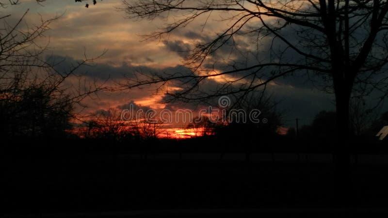 Sonnenuntergang in meiner Stadt lizenzfreie stockfotos