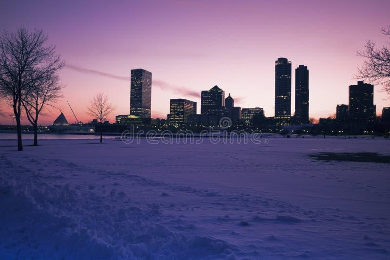 Sonnenuntergang in Milwaukee stockfotos