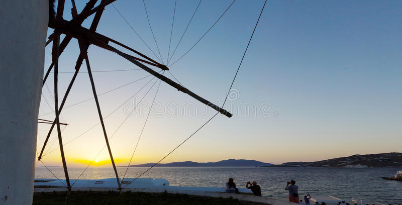 Sonnenuntergang in Mykonos-Insel lizenzfreie stockfotos