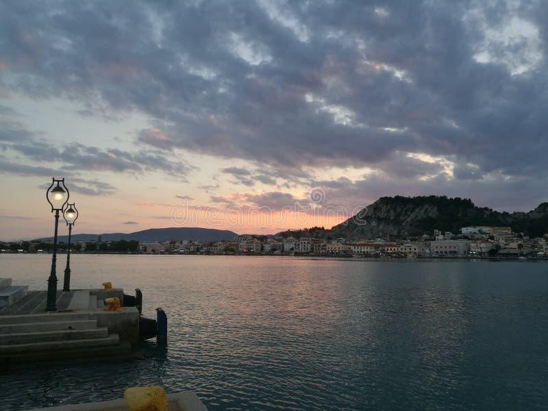 Sonnenuntergang nahe Zakynthos stockfotografie