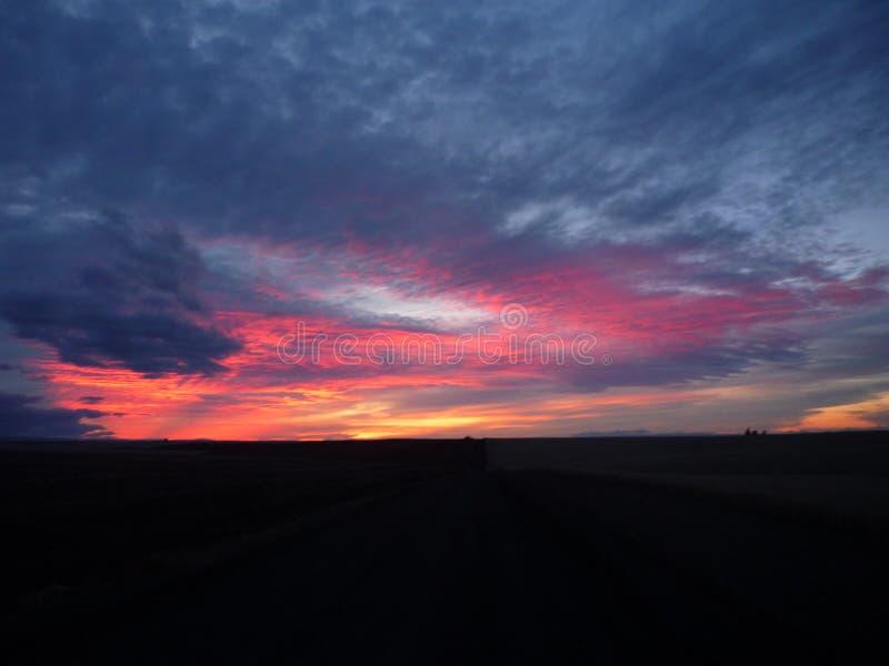 Sonnenuntergang ohne irgendeine Festlegung oder zu redigieren stockbilder