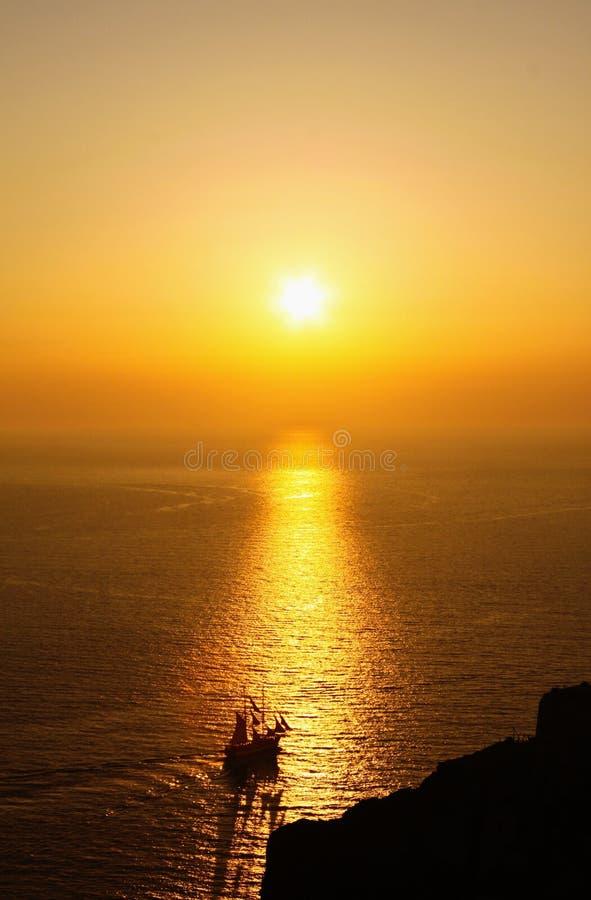 Sonnenuntergang in Oia, Santorini-Insel lizenzfreie stockbilder