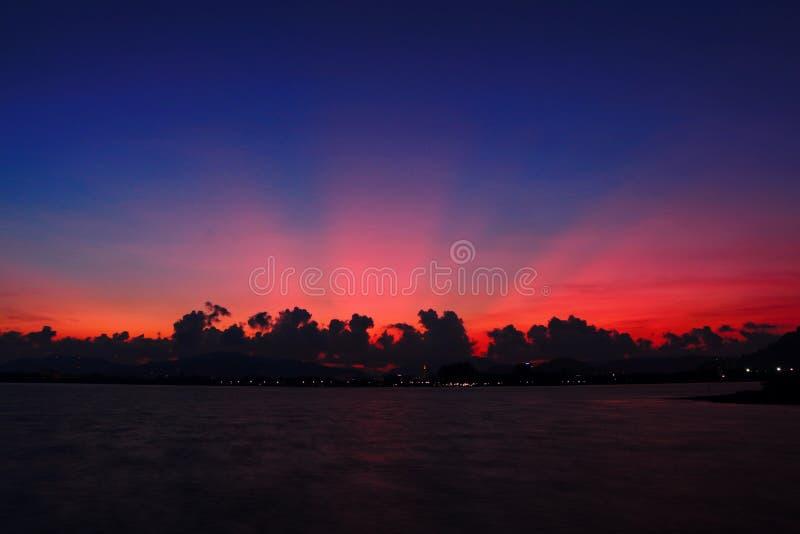 Sonnenuntergang in Phuket stockbild