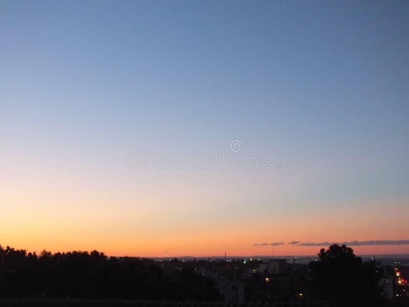 Sonnenuntergang in Porto Alegre, Brasilien lizenzfreie stockfotos