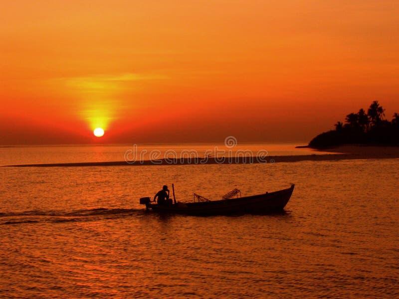 Sonnenuntergang-Reise stockfotografie