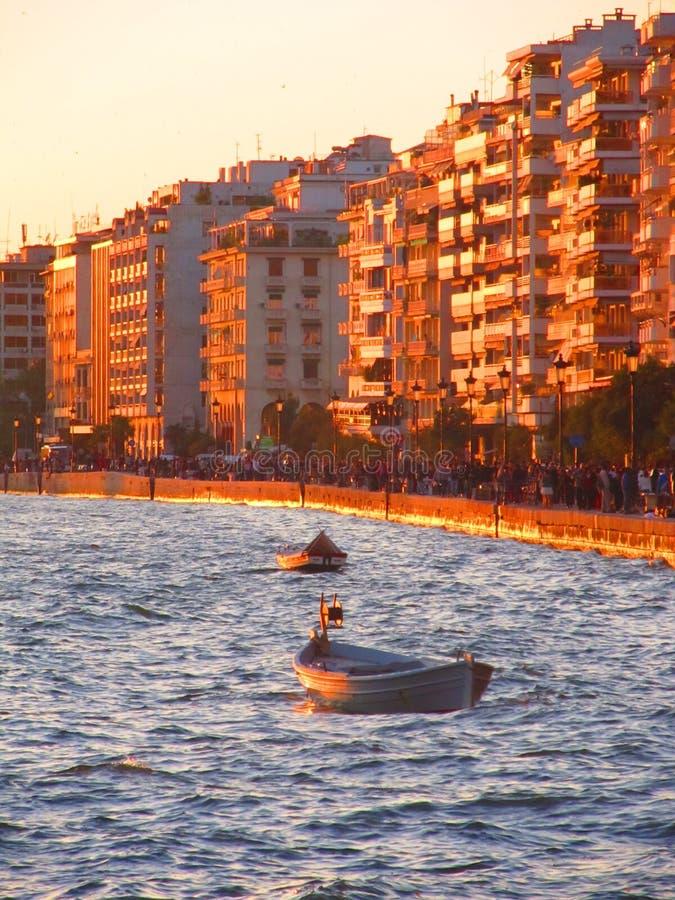 Sonnenuntergang in Saloniki stockbild