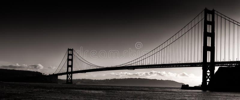 Sonnenuntergang-Schattenbild-Panoramablick Golden gate bridges stockfoto