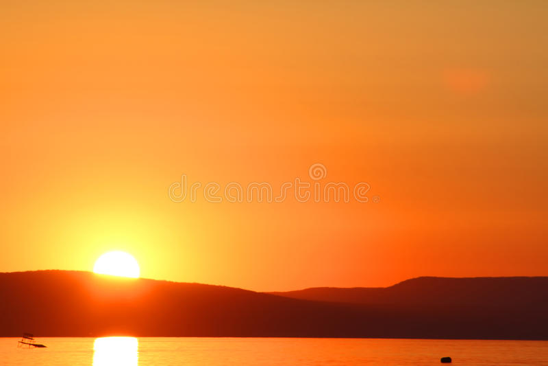 Sonnenuntergang in See Balaton lizenzfreies stockbild