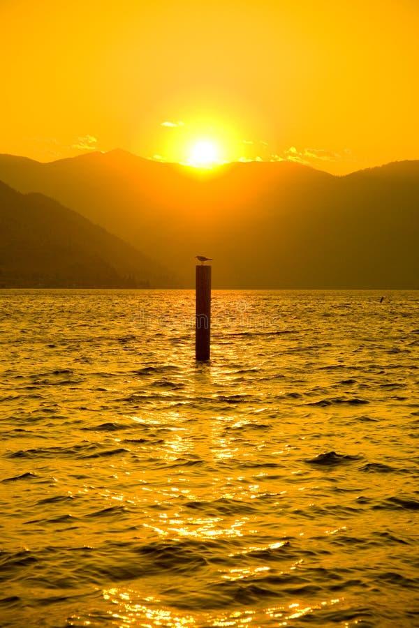Sonnenuntergang in See Chelan stockfotos