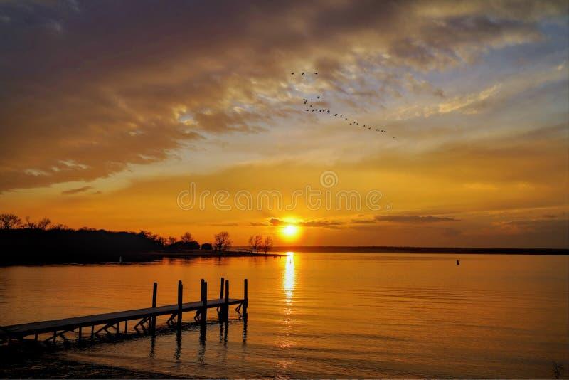 Sonnenuntergang am See Whitney stockfotografie