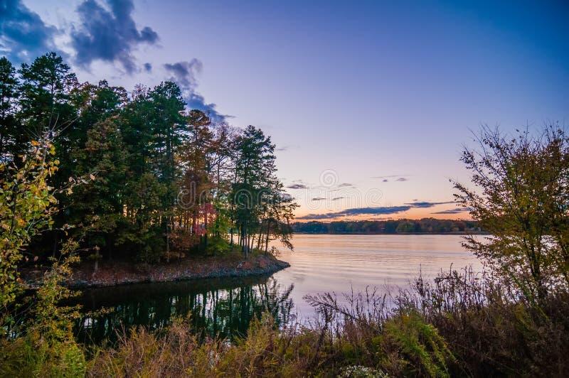 Sonnenuntergang an See wylie stockbild